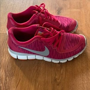 Nike zebra pink tennis shoes